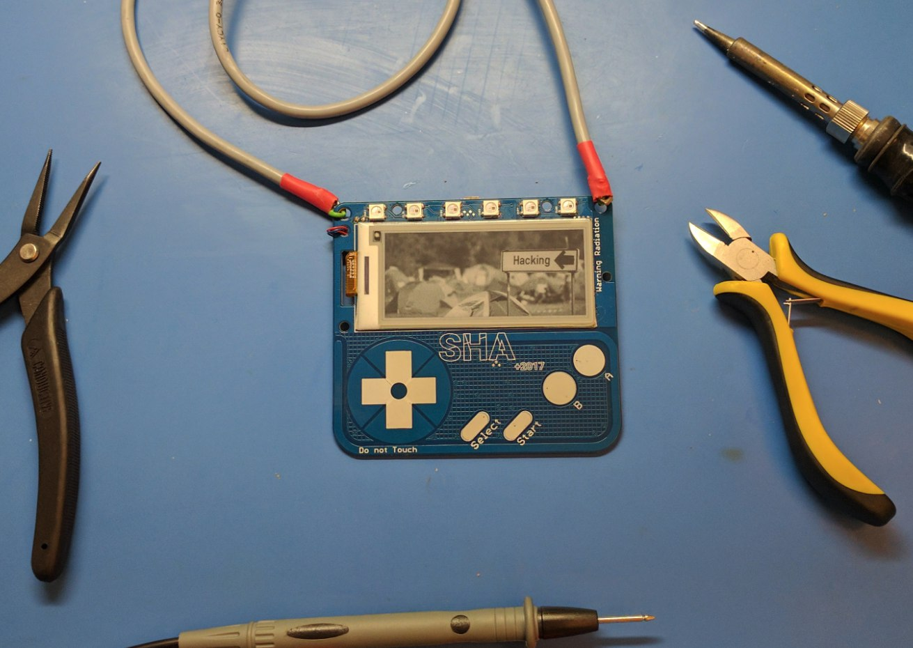 E-paper badge with touch input
